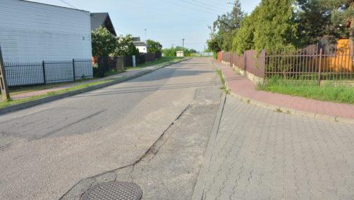 Krzywa i krótka zapomniana uliczka