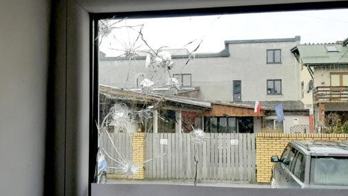 Nowy Dwór Maz.: Atak na biuro Prawa i Sprawiedliwości