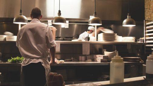 Jak wybrać lampę wiszącą do kuchni?