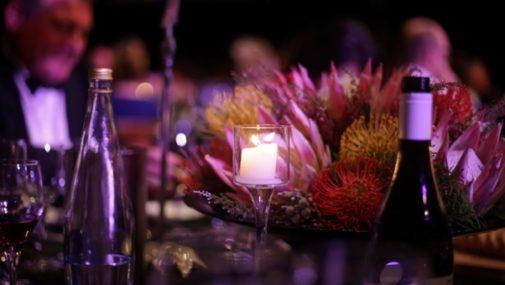 Dobre zachowanie przy stole – kilka zasad, które warto mieć na uwadze, wybierając się do restauracji