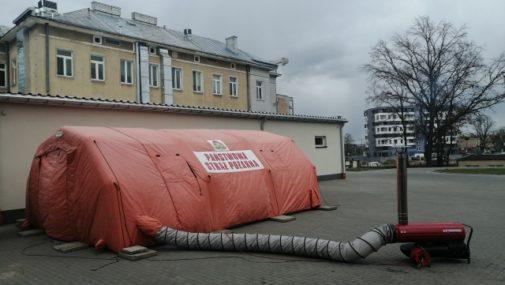 Nowy Dwór Maz.: Polowa izba przyjęć przy szpitalu powiatowym