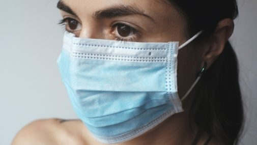 Koronawirus: Do kiedy trzeba będzie nosić maseczki? Jest deklaracja wiceministra zdrowia