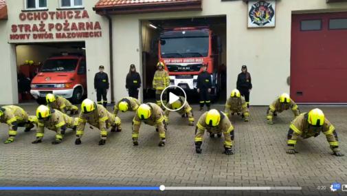 Nowy Dwór Maz.: Strażacy z OSP wzięli udział w #GaszynChallenge [VIDEO]