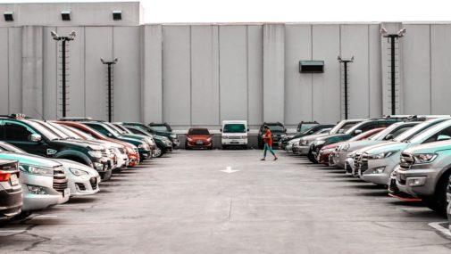Sposób na podróżowanie – wynajem aut w Polsce