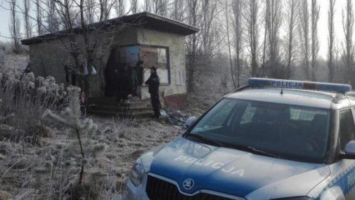Sierpc/Nowy Dwór Maz.: Dzielnicowi pomogli kobiecie, która była wyziębiona