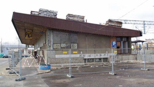 Nowy Dwór Maz.: Władze obiecują dworzec. Od ośmiu lat