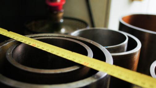NBR – kauczuk akrylonitrylo-butadienowy. Mocne uszczelnienia w Twoim przemyśle
